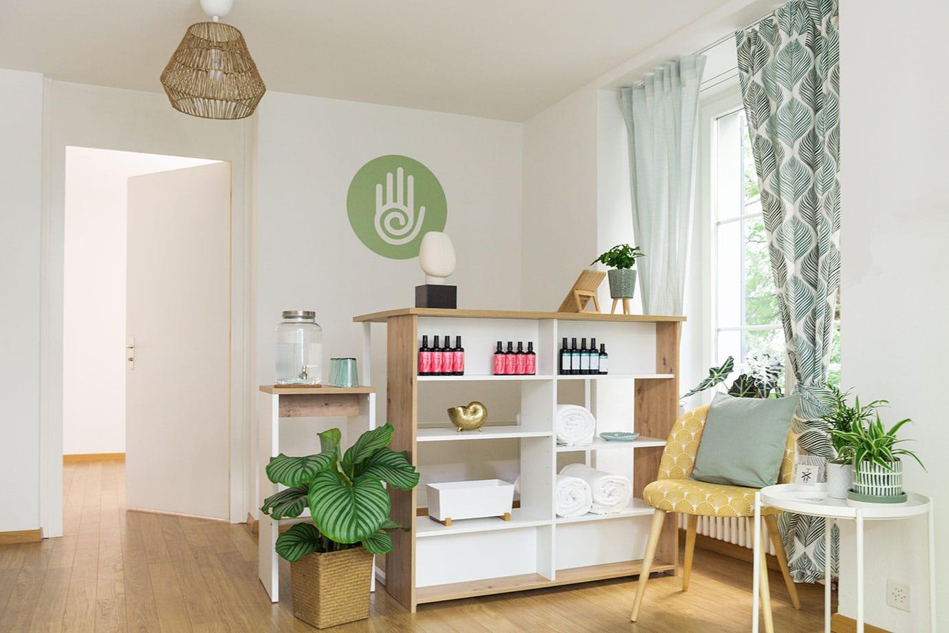 hart-wellness-lounge-kreis-6-reception
