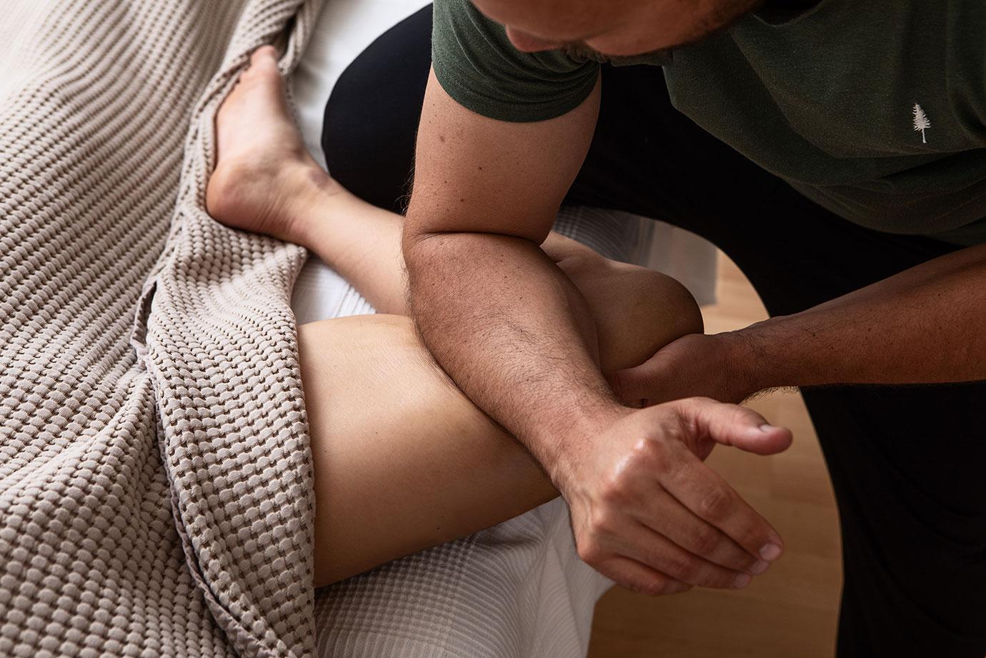 Therapeutische Tiefengewebe-Massage